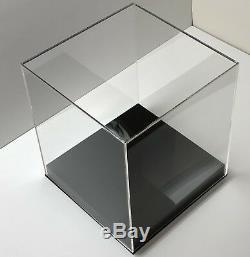 18 x 18 x 18 Acrylic Display Box w BASE Display Case Clear Showcases Store